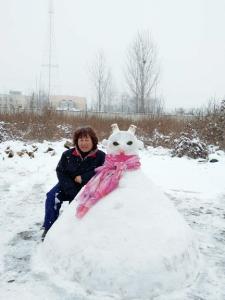 课间活动堆雪人